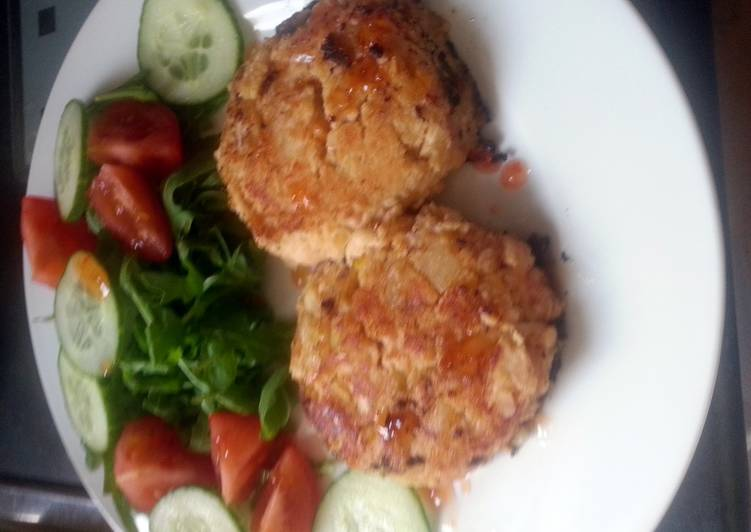 Chicken, Mango and chickpea burgers