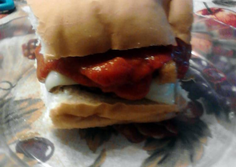 Step-by-Step Guide to Prepare Favorite Easy Pepperoni Pineapple Pizza Bread Burgers