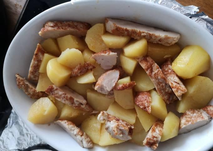 Pomme de terre au four avec des émincés de poulet