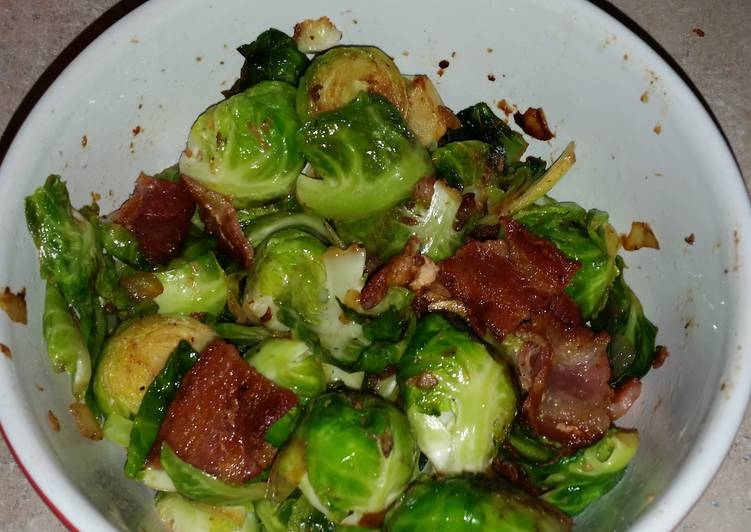 Brussel sprouts with bacon and onion