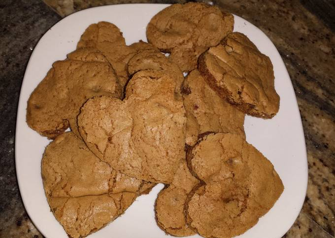 Chocolate chip and walnut cookie