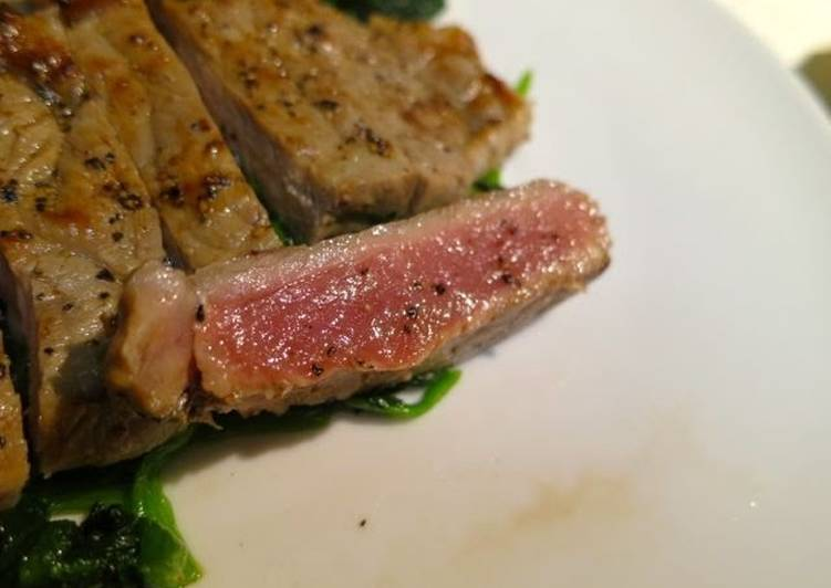 Dinner For Bachelors/Bachelorettes: How to Cook a Steak