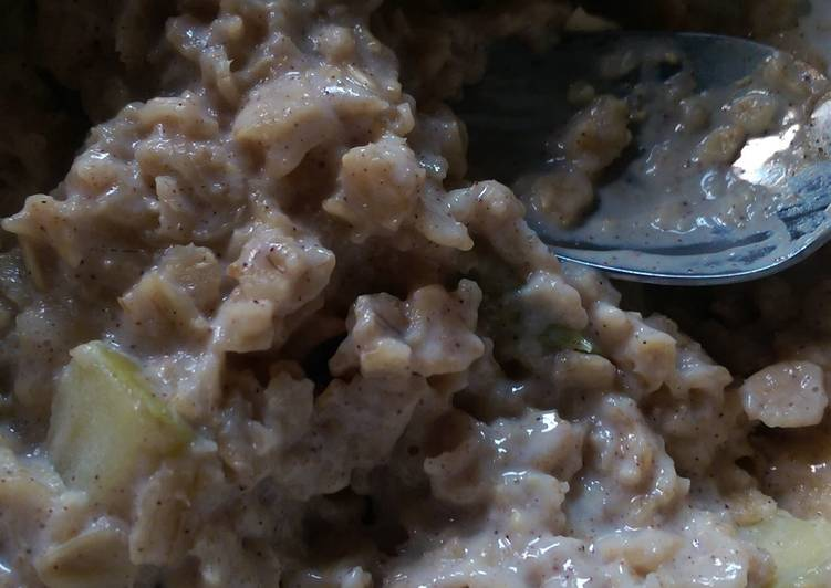 Apple cinnamon porridge!