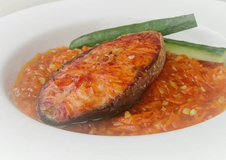 Salmon With Carrot Plum Sauce