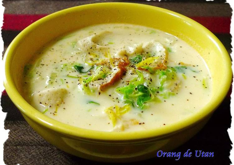 Miso Milk Flavored Chinese Cabbage Soup with Mochi
