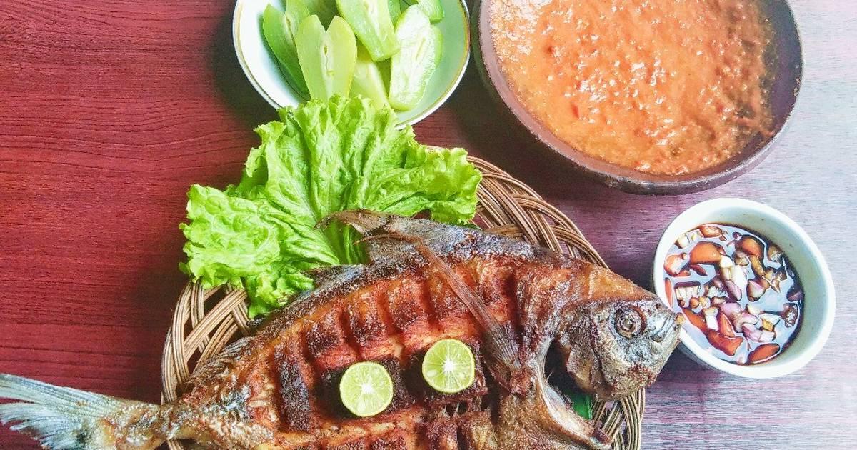 20 Resep Ikan Bawal Goreng Gurih Asin Enak Dan Sederhana Ala Rumahan Cookpad