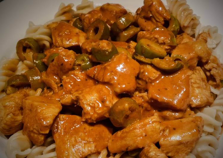 Step-by-Step Guide to Prepare Speedy Creamy Balsamic Chicken Fusilli