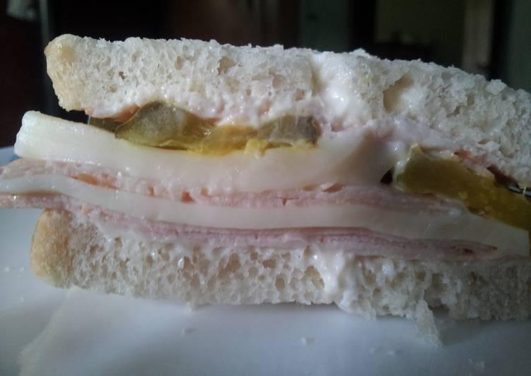 Foods That Make You Happy Big flavor turkey sandwich