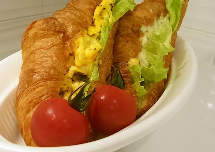 Absolutely Delicious! Croissant Sandwich
