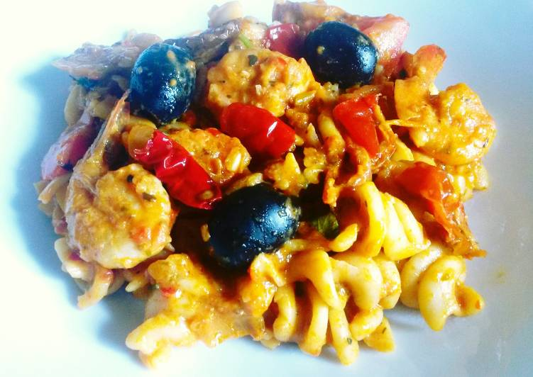 Creamy Prawn & Olive Pasta
