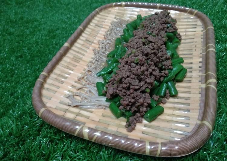 Cah jamur enoki,buncis,daging giling saos tiram