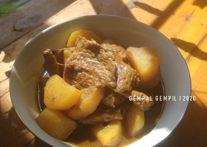 Semur Daging & Kentang