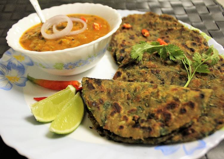 Recipe of Favorite Kulfa Saag Paratha