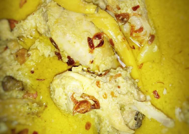 Opor kuning Ayam kampung