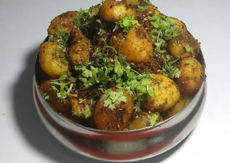Recipe of Top-Rated Dry dum aalu(potato)