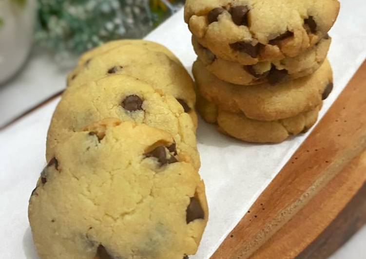 Almond cookies with chocochip