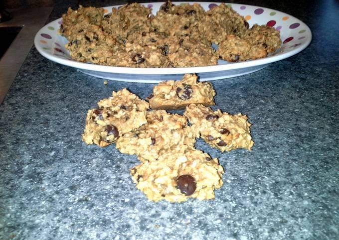 Recipe Crunchy Tricia's peanut butter oatmeal drop cookies