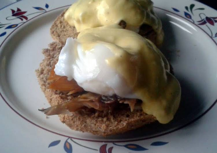 Smoked Mackerel, Poached Eggs and Hollandaise