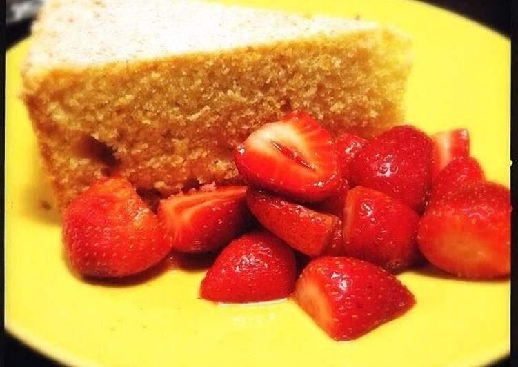Ricotta-Orange Pound Cake with Prosecco Strawberries by Giada de Laurentiis