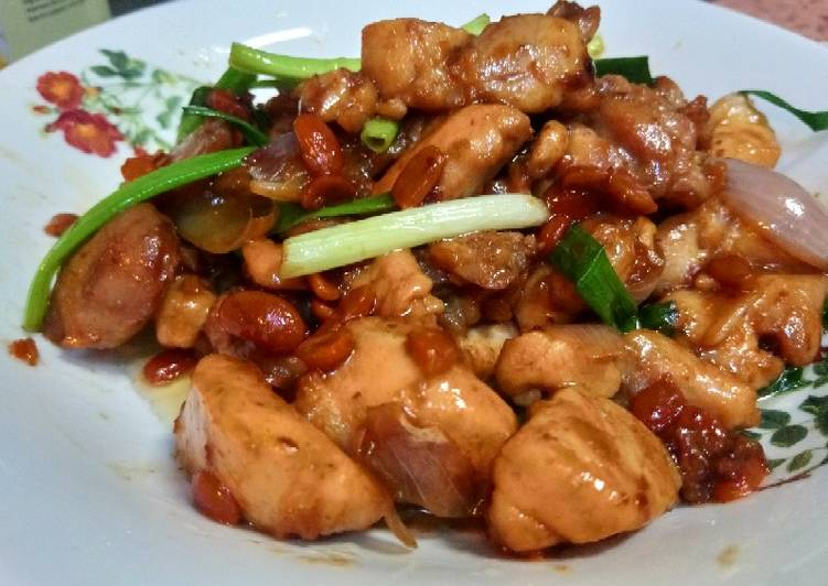 Stir fry chicken and fermented red bean paste