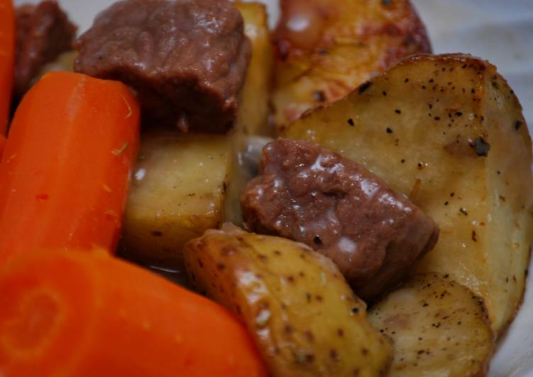 Recipe: Perfect Stew Beef & Gravy w/Herb Roasted Potatoes