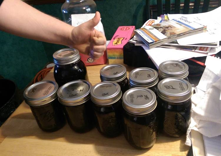 How to Prepare Award-winning Michigan cherry moonshine