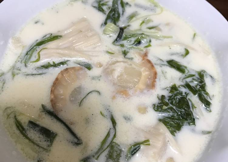 Scallop milk soup