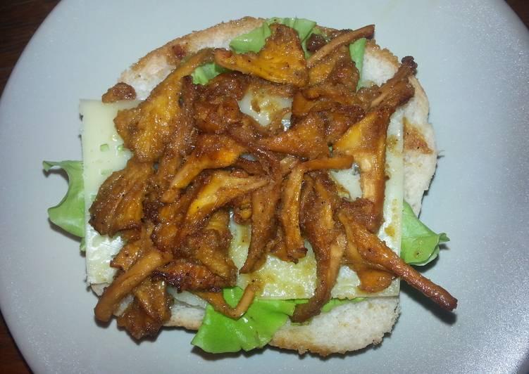 Mushrooms sandwich