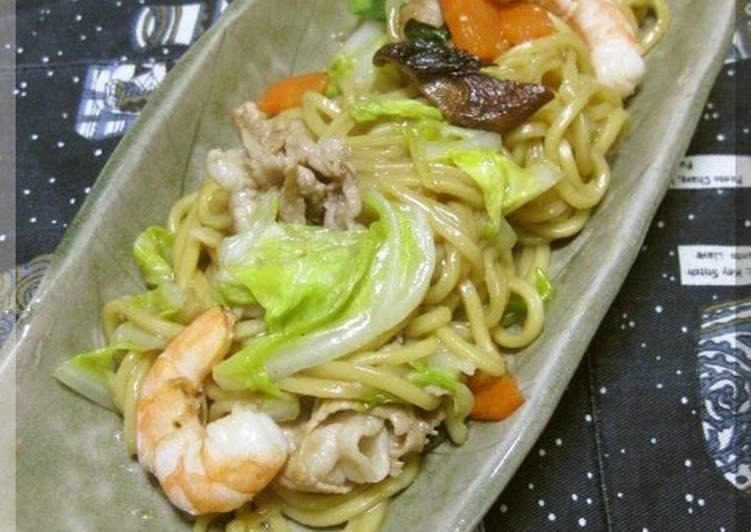 Addictive Chinese Style Yakisoba Noodles