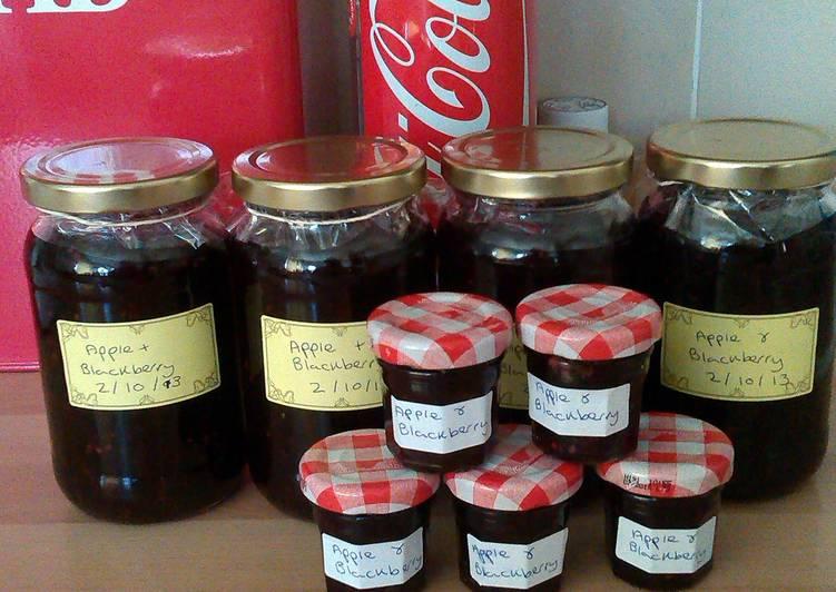 apple and blackberry Jam