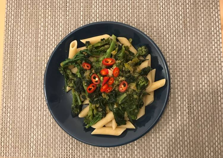 Purple broccoli and kale pasta