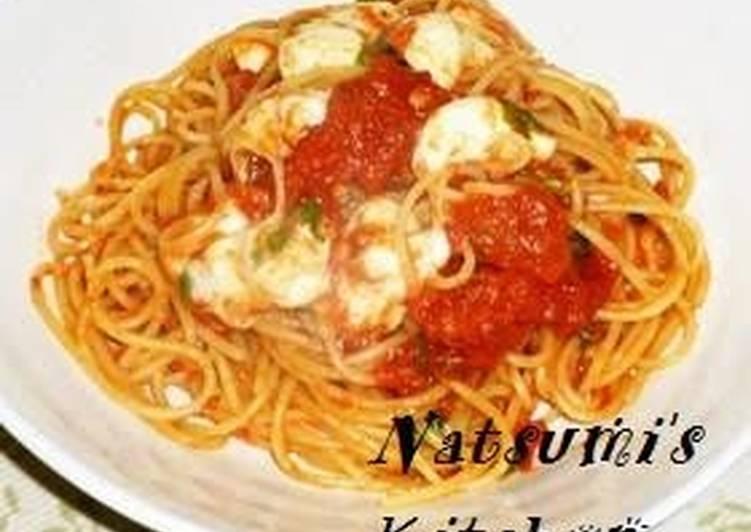 Mozzarella Cheese and Tomato Sauce Pasta