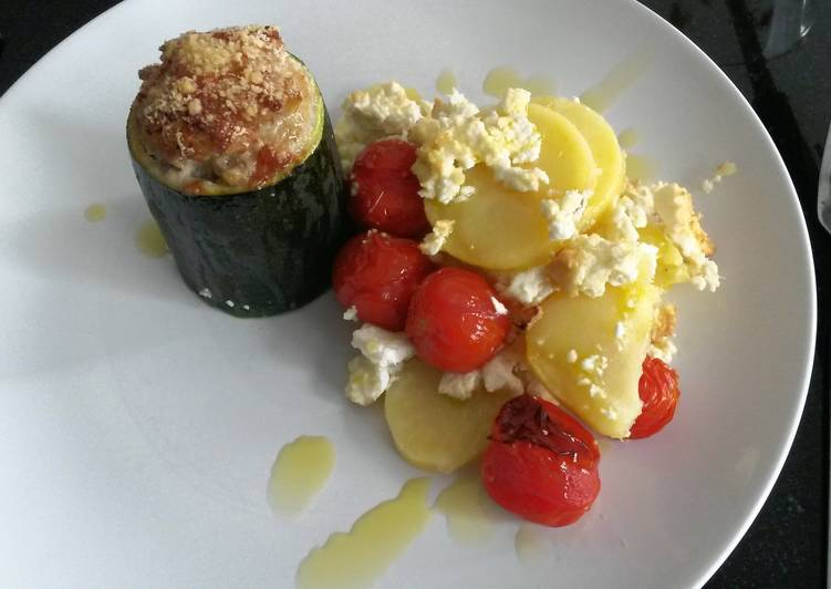 Recipe: Yummy Zucchini filled with minced meat