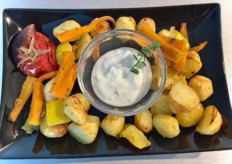 Pieczone warzywa z sosem czosnkowym główne zdjęcie przepisu