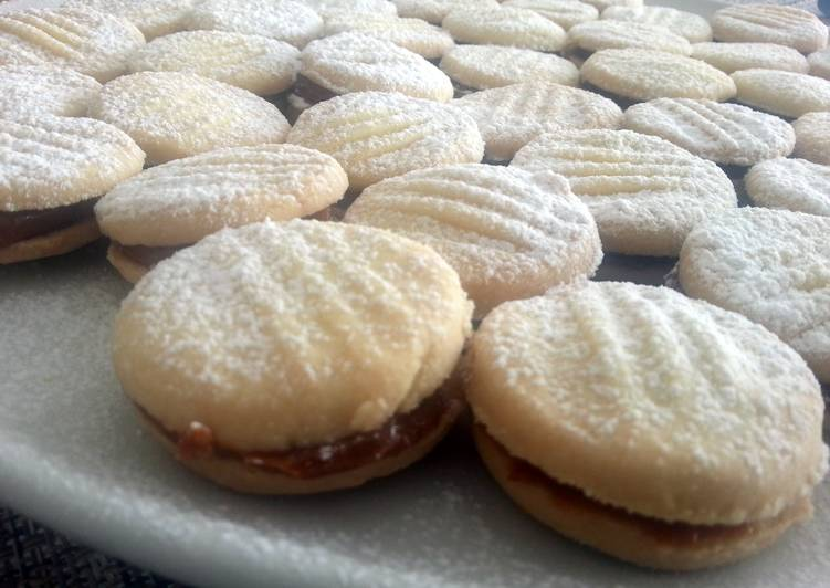 Step-by-Step Guide to Make Homemade Alfajores (Peruvian style)