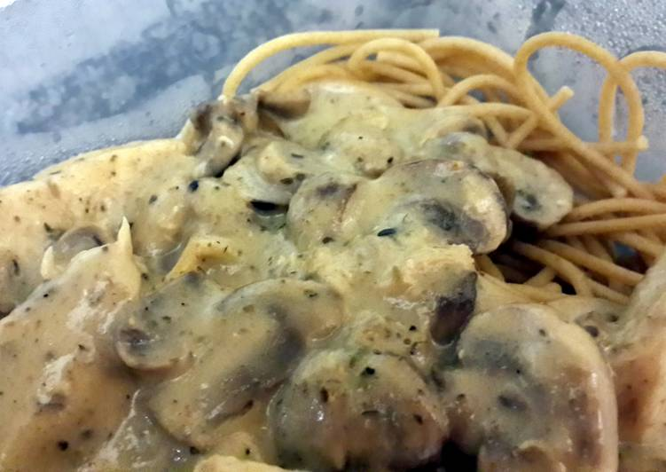 Pasta with Chicken,mushroom and GARLIC sauce