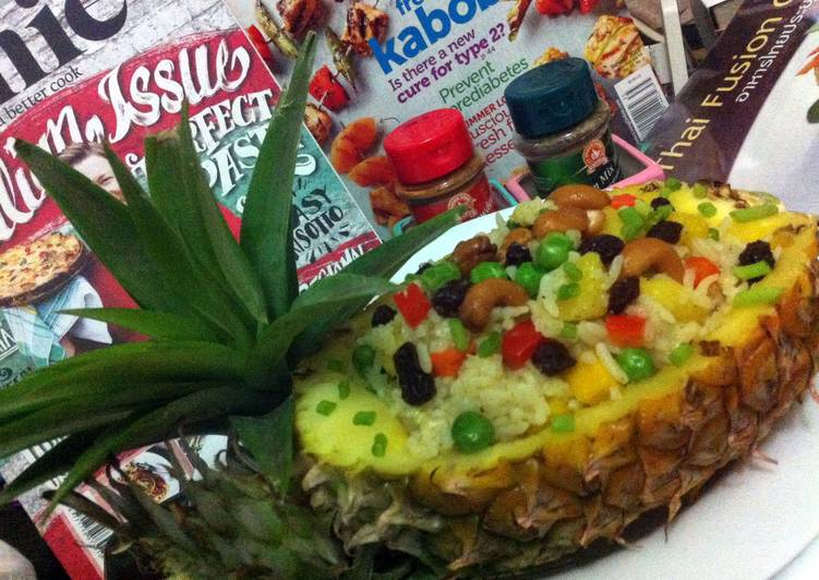 Recipe: Yummy Pineapple Fried Rice/ Vegetarian