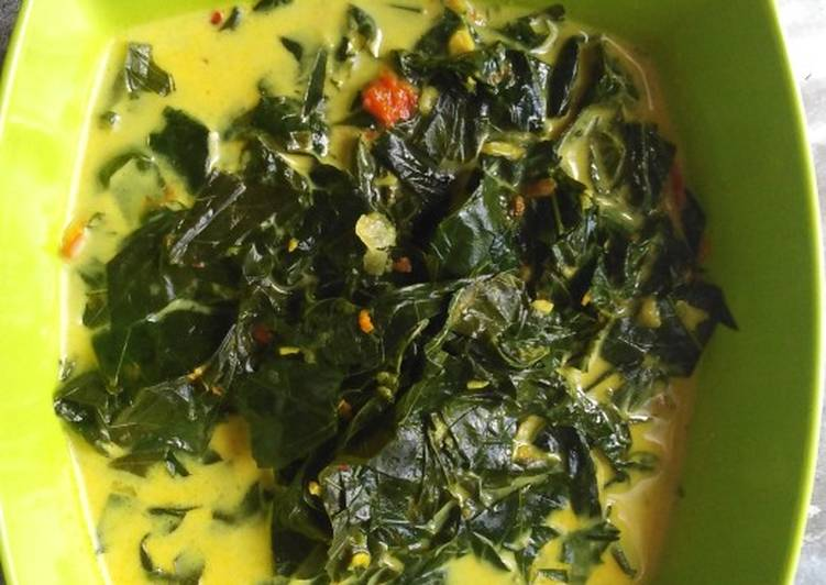 Cara Gampang Menyiapkan Sayur Daun Singkong kuah Santan, Menggugah Selera