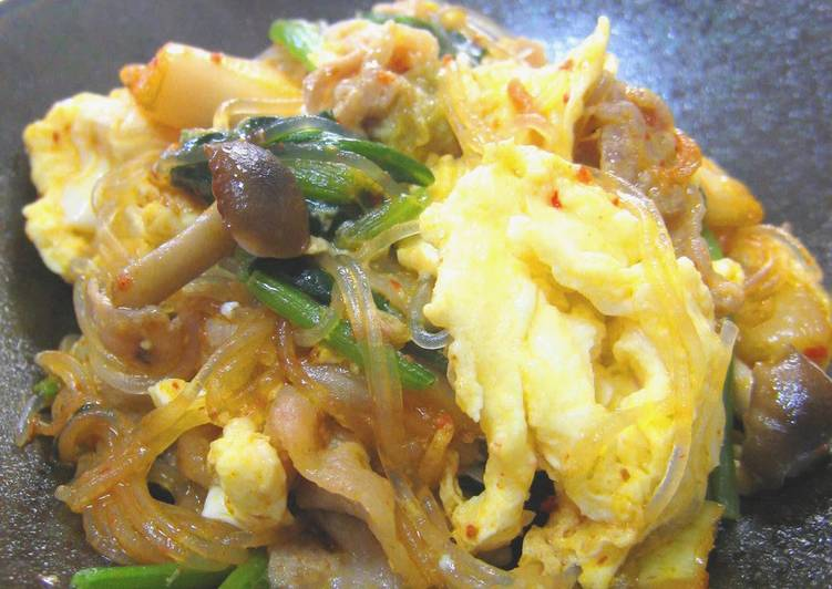 Eating 14 Superfoods Is A Good Way To Go Green For Better Health Pork, Egg, Spinach, Glass Noodles & Kimchi Stir-fry