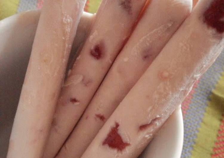 Strawberry Cheesecake Ice Pops