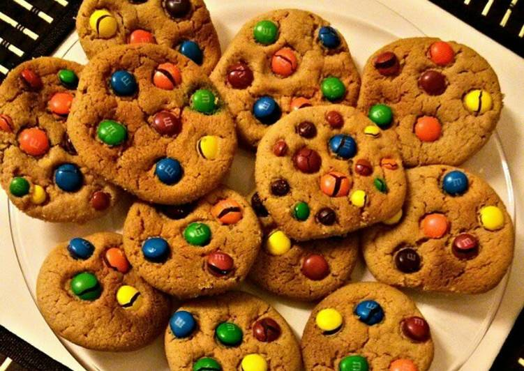 Easy M&M Peanut Butter Cookies