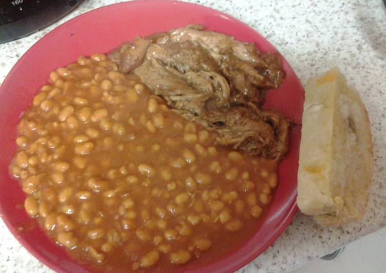 A simple way to make pulled pork and BBQ Beans