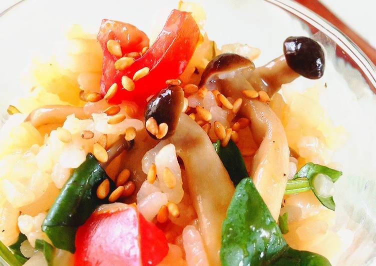 Easiest Way to Cook Delicious Rice Salad with Tomatoes, Shimeji Mushrooms, and Watercress