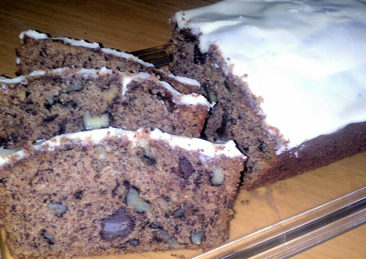 sig's Banana ,Chocolate-Walnut Loaf with Banana Cream Cheese Frosting