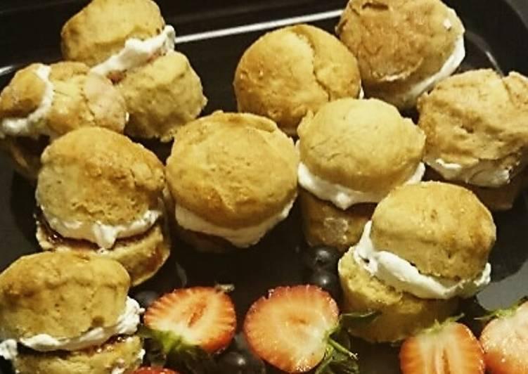 Mini scones with Jam and clotted cream