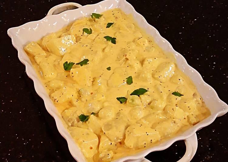 Recipe: Tasty Potatos and Pearl Onions in Romano Cream Sauce