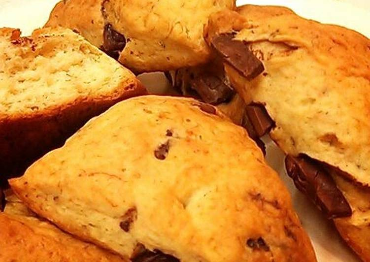 Chocolate Banana Scones Made Completely in a Plastic Bag!
