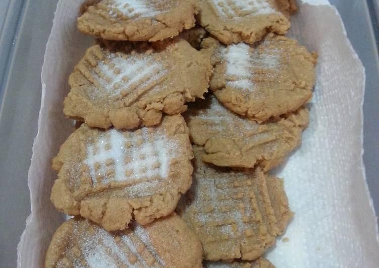 Peanut butter cookies  (no flour)