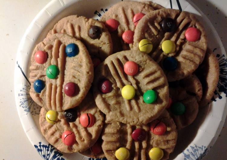 Easy peanut butter m&m cookies