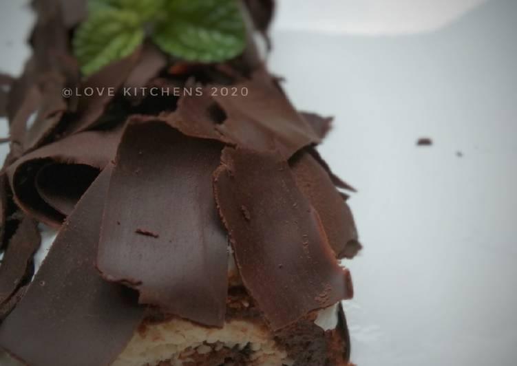 Bolu gulung coklat---finishing black forest---